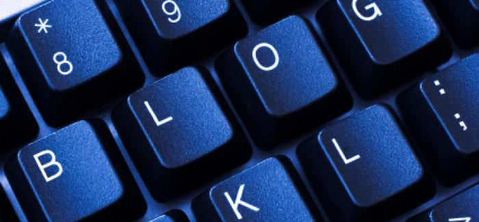 Keyboard with the word 'blog' spelled out
