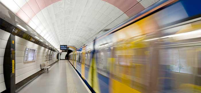 Metro blurred in a tunnel